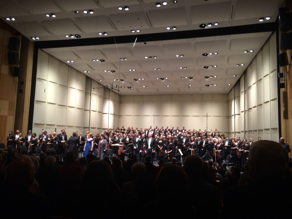 Symphony with soloist and choir