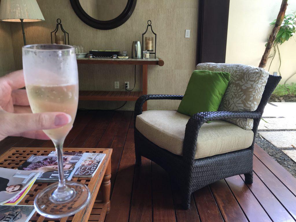 2016-st-regis-bahia-spa-champage