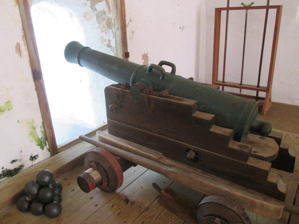 2016-el-morro-cannon-inside