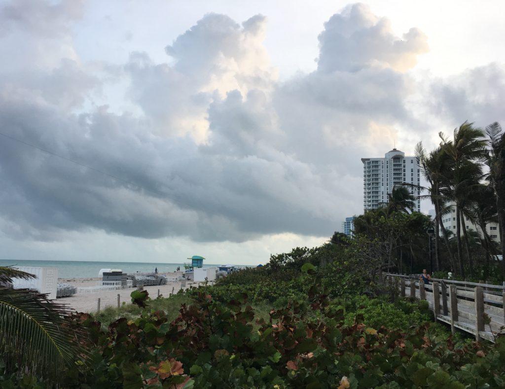 Fontainebleau resort beach boardwalk